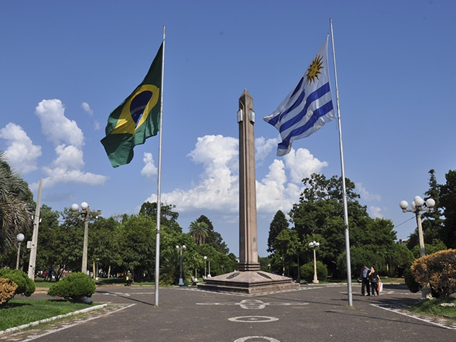 Fronteira Brasil-Uruguai, entre Santana do Livramento e Rivera (Foto: Zizo Asnis)