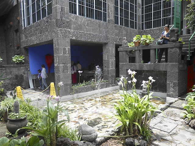 Jardim da casa onde Frida Khalo e Diego Rivera viveram juntos na Cidade do México.