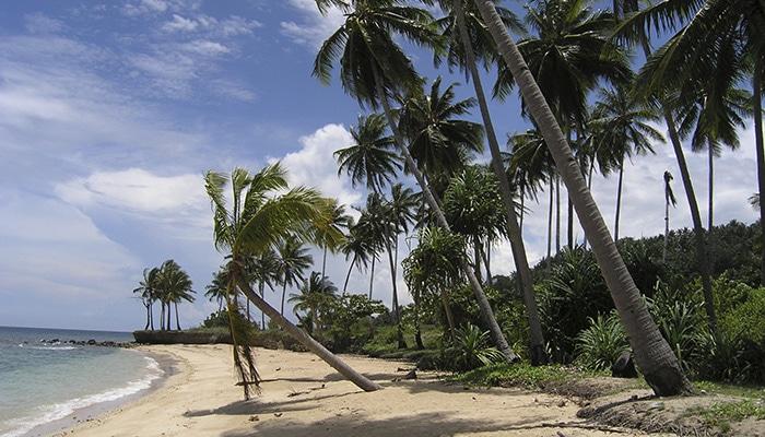 Praia no Timor-Leste (Foto por Matthew Winterburn).
