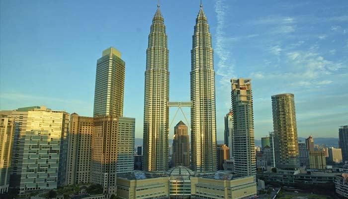 Petronas Towers | Foto por Uwe Schwarzbach