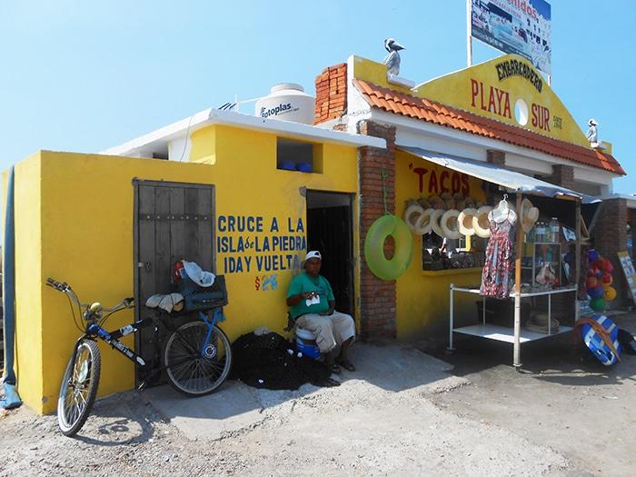 Local de embarque para Isla de la Piedra |Foto por Renata Ferri