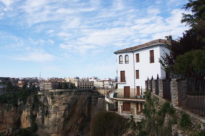 O desfiladeiro de Ronda, Alameda del Tajo. Foto capturada em La Ciudad, com vistas ao lado norte   Foto por Vinicius Henrique Fontana