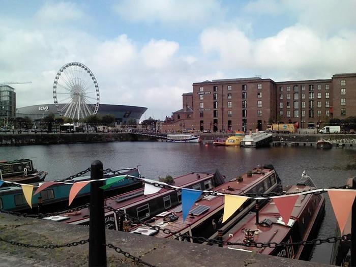 Liverpool e seu submarino amarelo convidando você para uma viagem | Foto por Cristine Severo