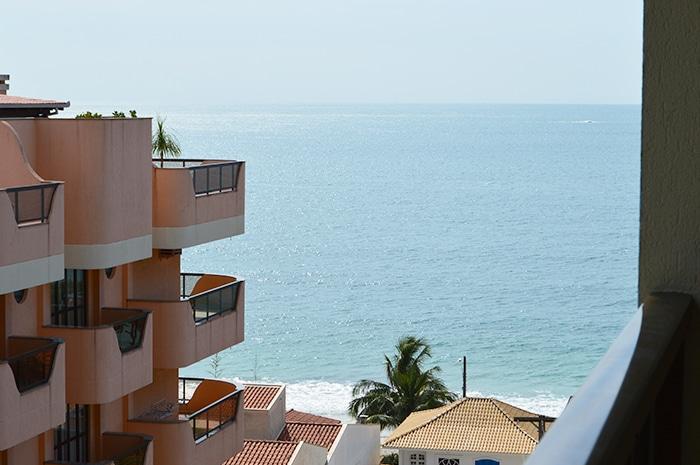 Praia de Bombinhas vista do aparthotel | Foto por Grazi Calasans