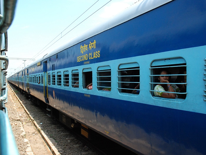 Trem indiano, segunda classe | Foto por steelmonkey