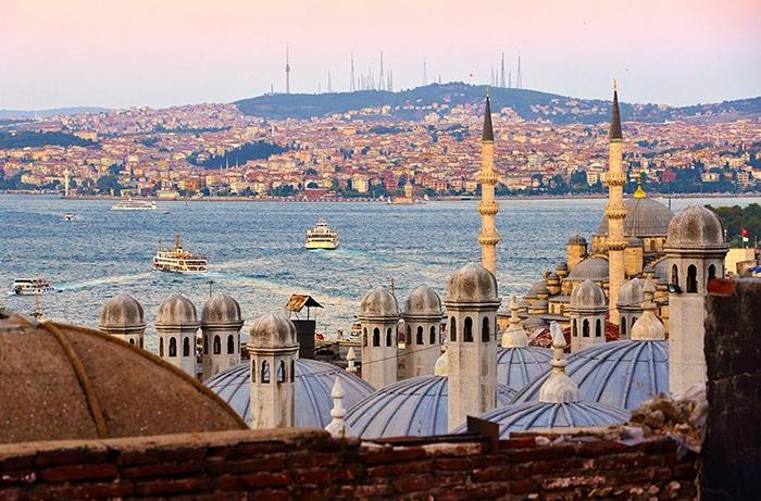 Entardecer em Istambul a partir da Mesquita Süleymaniye | Foto por Moyan Brenn