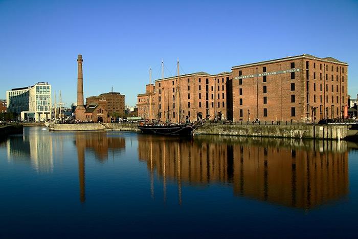 Albert Dock, um dos principais pontos turísticos da cidade | Foto por antoskabar