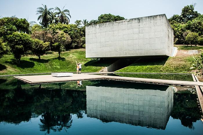Casal Fernanda e Thales me apresentando a Inhotim | Foto por Daniel Carnielli