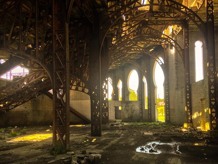 Com muito cuidado, a Plaza de Toros abandonada surpreende os visitantes   Foto por João Paulo de Vasconcelos