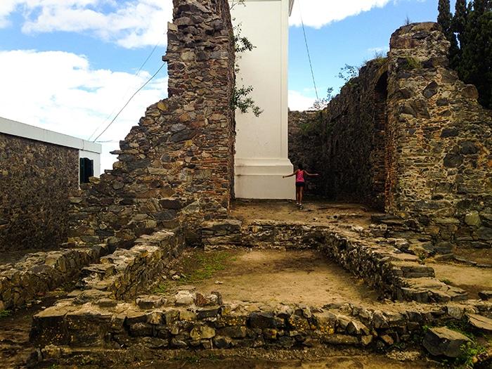 As ruínas do convento de São Francisco Xavier deram lugar ao farol   Foto por João Paulo de Vasconcelos