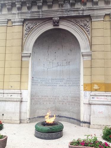 Monumento em homenagem à libertação do Fascismo   Foto por  Sabrina Sasaki