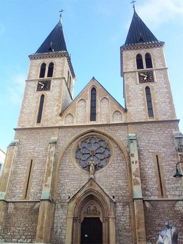 Catedral do Sagrado Coração de Jesus, localizada no calçadão do centro histórico.   Foto por Sabrina Sasaki