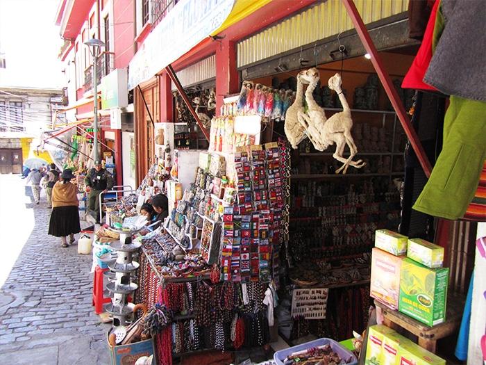O mercado de las brujas, em La Paz, Bolívia   Foto por Rodrigo Bertoluzzi