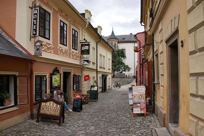 Típica rua de Kutná Hora Foto   Vinícius Fontana