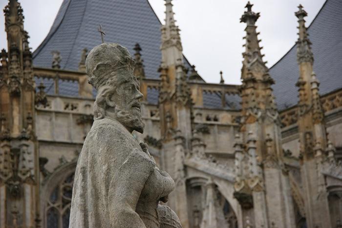 Detalhe de uma das estátuas da Rua Masarykova    Foto por Vinícius Fontana