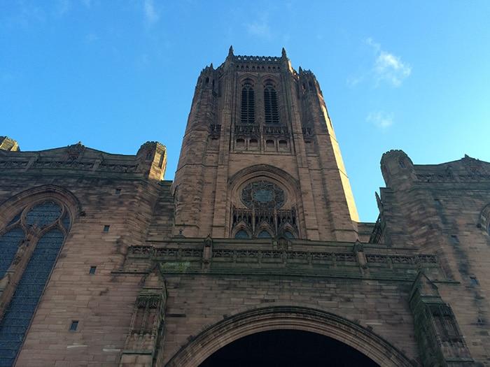 Detalhes da fachada da mesma catedral | Foto por José Jayme