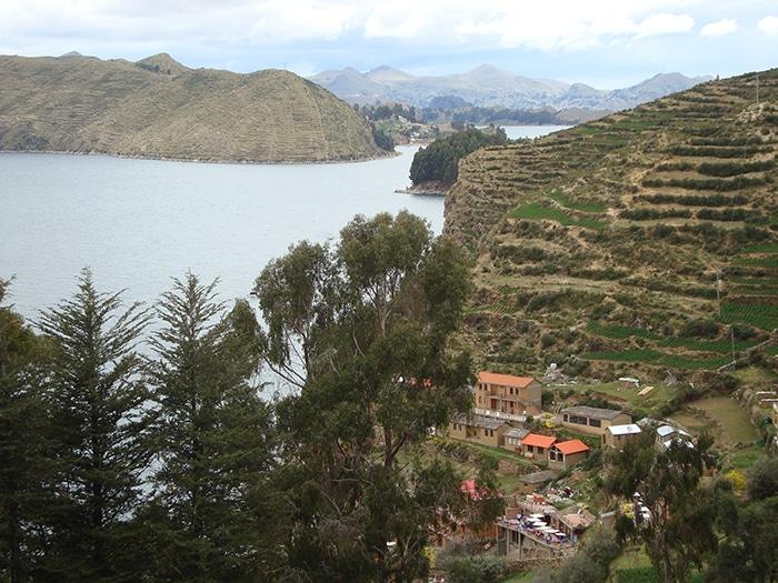 Passeio pela parte sul da ilha: o caminho até a pousada | Foto por Renata Ferri
