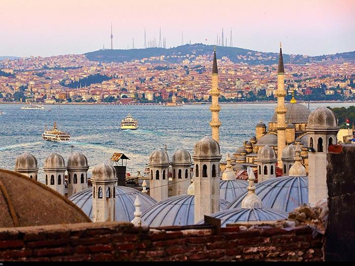 Pôr do sol em Istambul | Foto por Moyan Brenn
