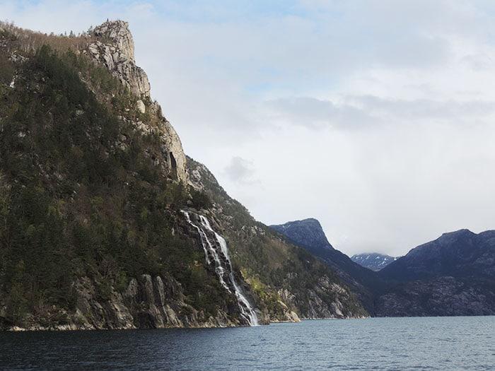 Passeio de barco pelos fiordes   Foto por Sabrina Levensteinas