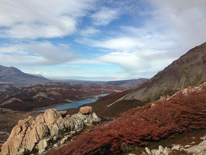 Vista de parte do Parque Nacional los Glaciares durante a trilha | Foto por Felipe Parma