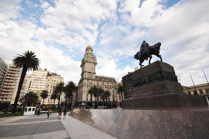 Plaza Independencia | Foto Zizo Asnis