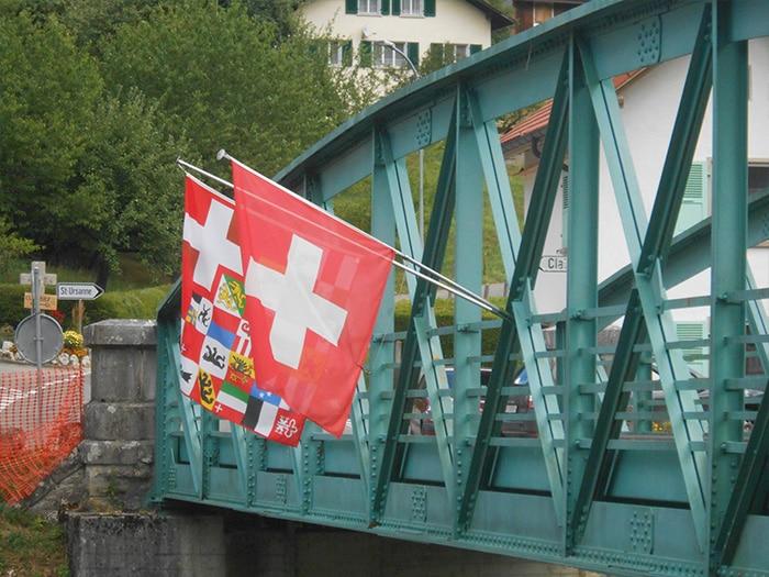 Bandeiras por todos os lados   Foto por Grazi Calazans