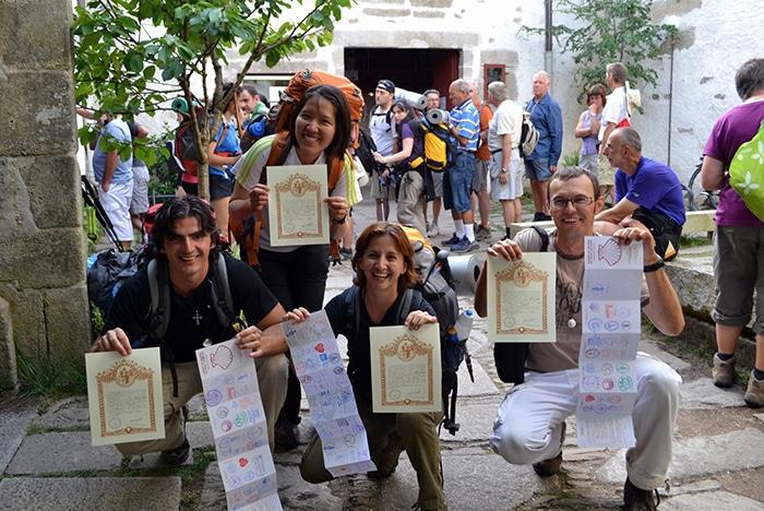 Carimbos na Credencial do Peregrino são requisitos para garantir o certificado Compostela