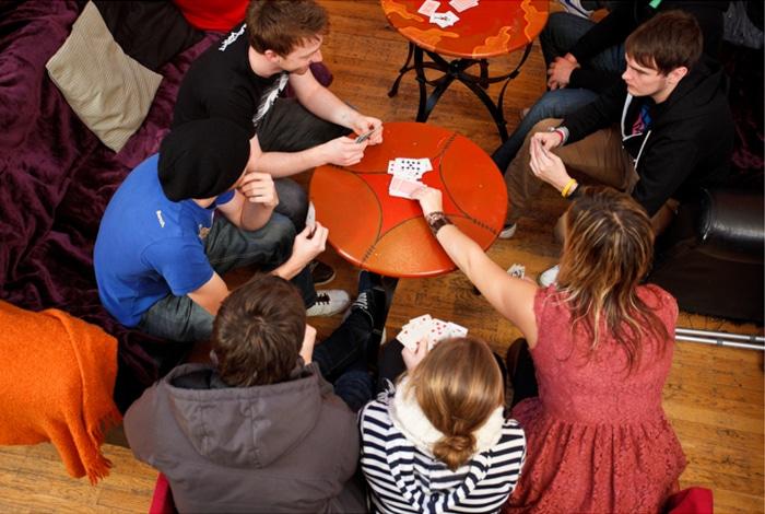 Noite de jogos no Jacob's Inn, em Dublin