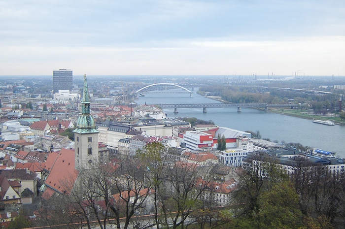 Rio Danúbio corta a cidade | Foto por Zizo Asnis/O Viajante