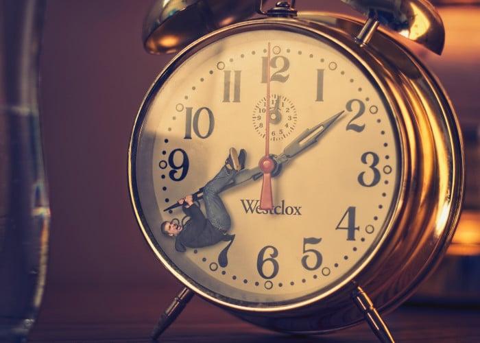 Depender do serviço de despertar do hotel? Já era! | Foto por MattysFlicks