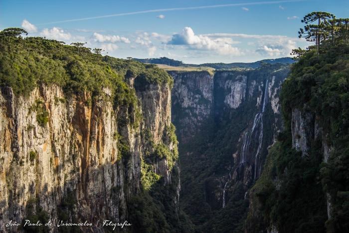 Canion Itaimbezinho e cachoeira | Foto por João Paulo