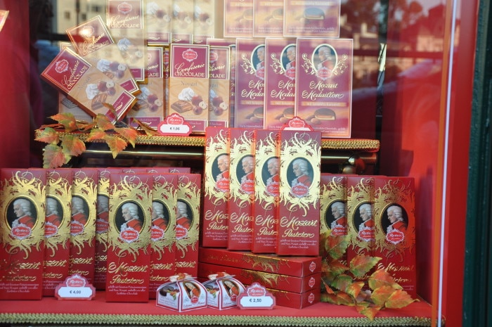 Mozart estampa chocolates... | Foto por Zizo Asnis