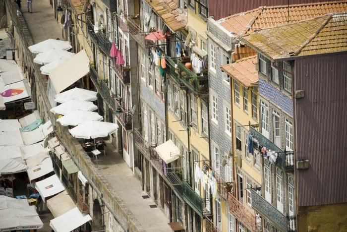 Azulejos portugueses no Porto | Foto por Alberto Beccaris (CC BY-NC-SA 2.0)