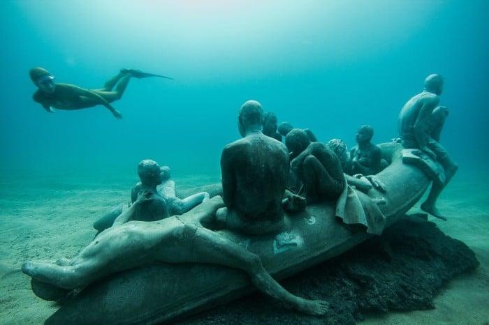 """Raft of Lampedusa"", obra de destaque do Museo Atlantico | Facebook/Jason deCaires Taylor"