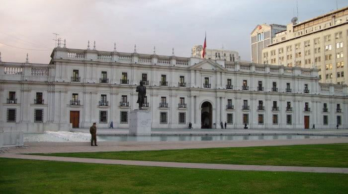 Sede do governo chileno | Foto por Rodrigo Correia (CC BY-NC-SA 2.0)