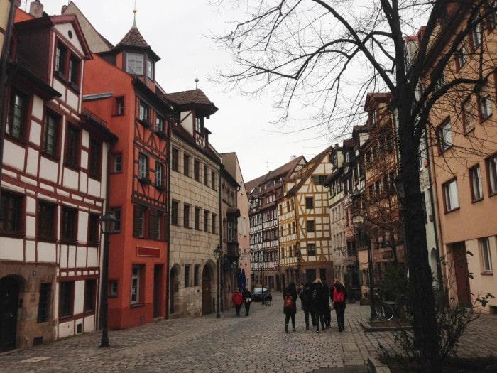 A encantadora arquitetura das ruas de Nuremberg | Foto por Jamile Diniz