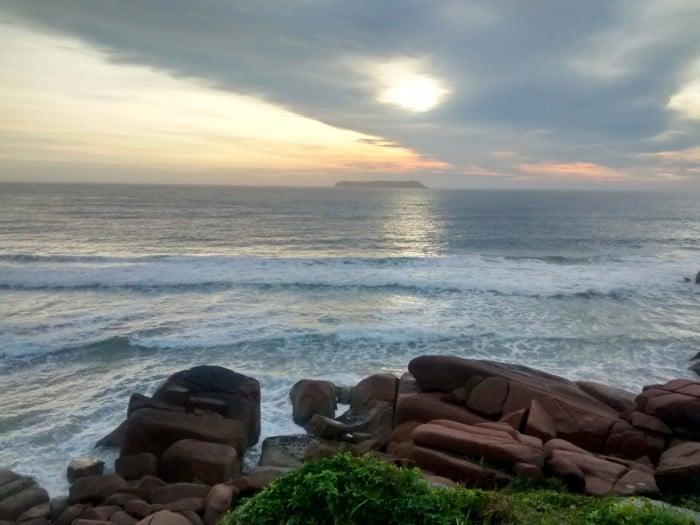 Amanhecer na Praia Mole | Por Juliana Santos