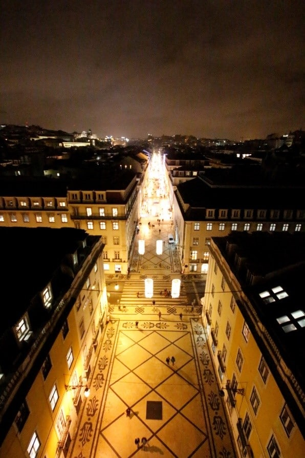 O local é igualmente belo à noite   Por Juliana Maian