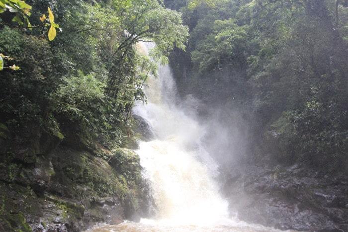 Cachoeira da Surpresa, nº 12: Com a força da água é impossível não se molhar! | Por Bruna Cazzolato Ribeiro