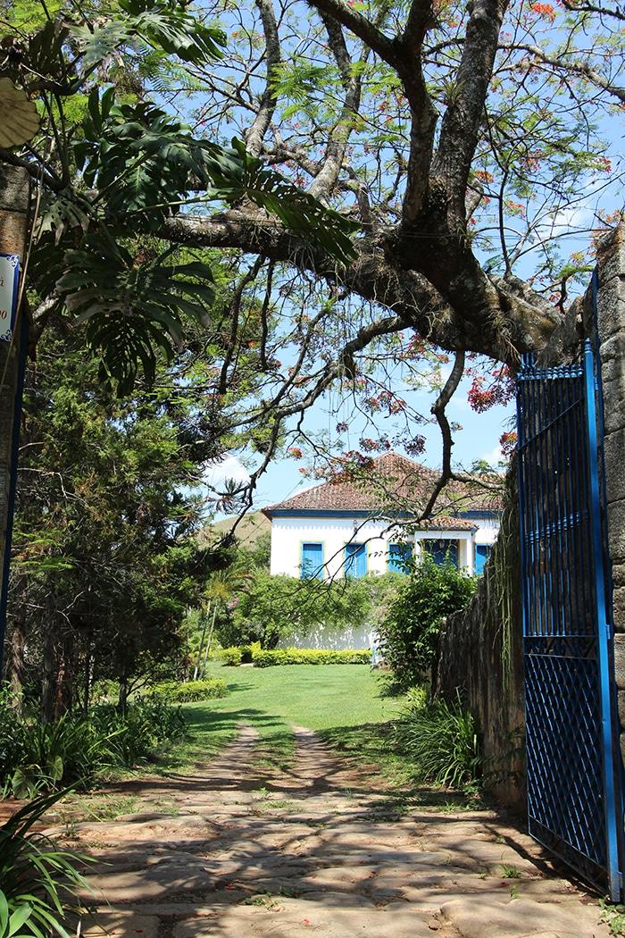 Clima bucólico na entrada da Fazenda Mulungu Vermelho | Foto Bruna Cazzolato Ribeiro
