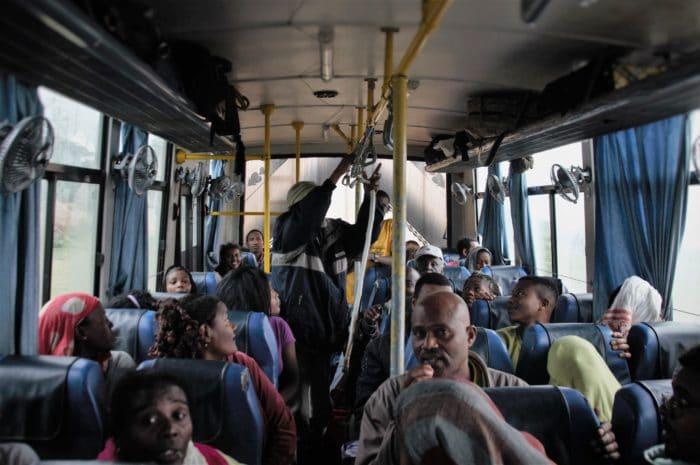 10 dentro do bus