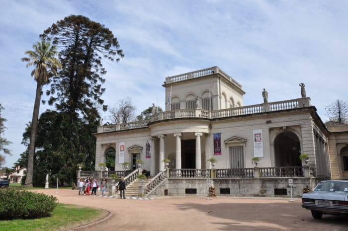 Fachada neoclássica do Museo de Bellas Artes   Zizo Asnis