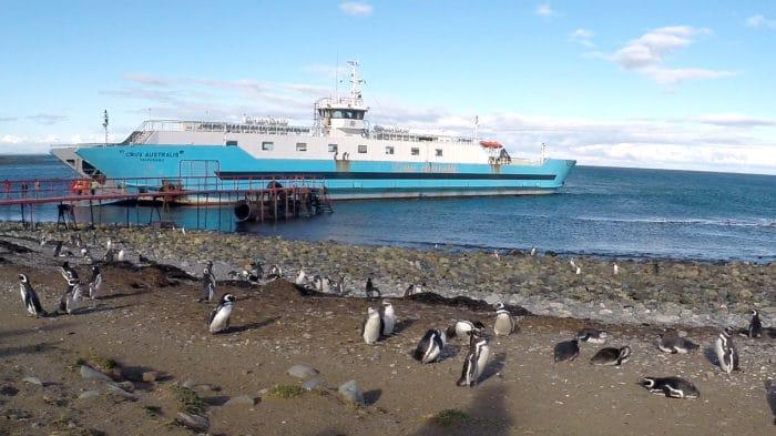 Barco que leva à Isla Magdalena | Beto Lisboa