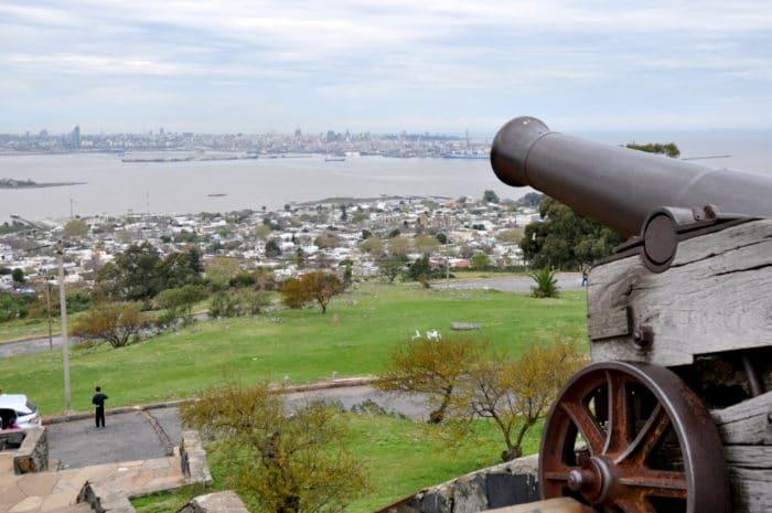 Vista de Montevidéu a partir da Fortaleza General Artigas   foto Zizo Asnis