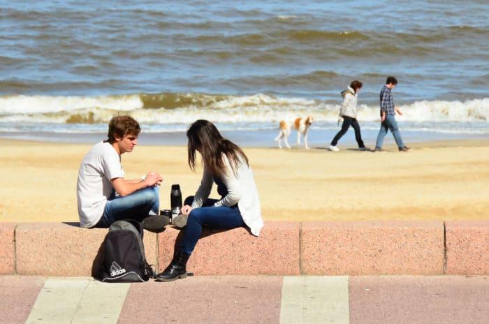 Mate, um dos hábitos mais comuns ao povo uruguaio   Zizo Asnis