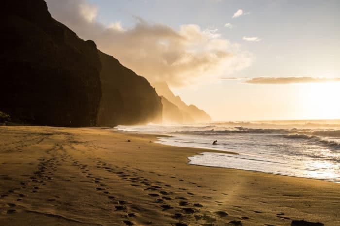 Kalalau Beach, alento após 18 Km de caminhada | Foto Steven Szabados (CC BY-NC 2.0)