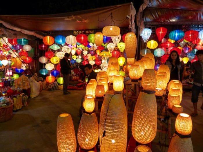 Mercado noturno em Hoi An