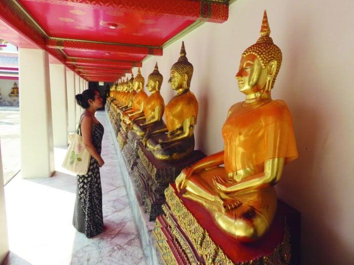 Budas do templo budista Wat Pho, em Bangkok