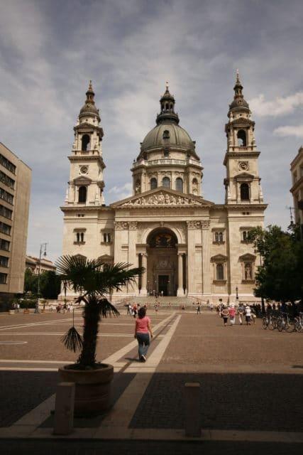 Basílica Szent István (Santo Estêvão): é a maior igreja da cidade, que demorou mais de 50 anos para ser construída. Bem bonita. Acesso gratuito.
