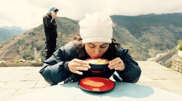 Alimentação à base de miojo durante a subida ao Annapurna